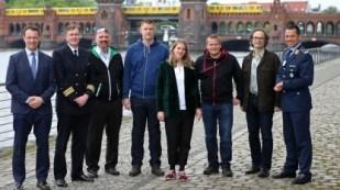 Startups für bessere Pflaster und dynamischere IT https://www.golem.de/news/cyber-innovation-hub-der-bundeswehr-startups-fuer-bessere-pflaster-und-dynamischere-it-1708-128379.html