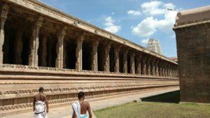 DD 3 Pillars surrounding the temple