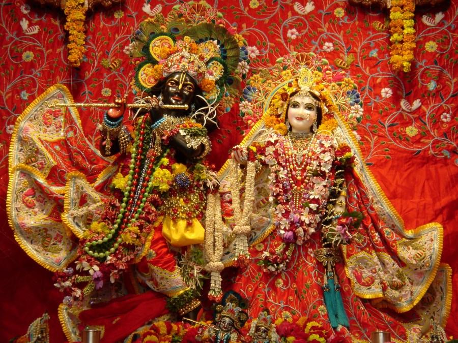 Deidades de Radha Syamasundara- Templo Krsna-Balarama Mandir, fundado por Swami Prabhupada