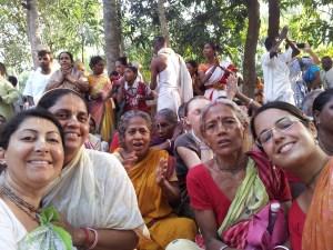 Devotos do Brasil com bengalis no Parikrama