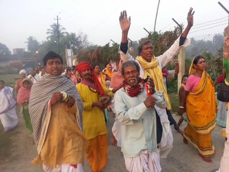 Por misericórdia, conceda-nos a riqueza de Bhakti!