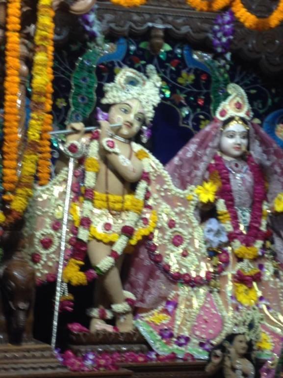 Radha-Gopinatha, Imilitala