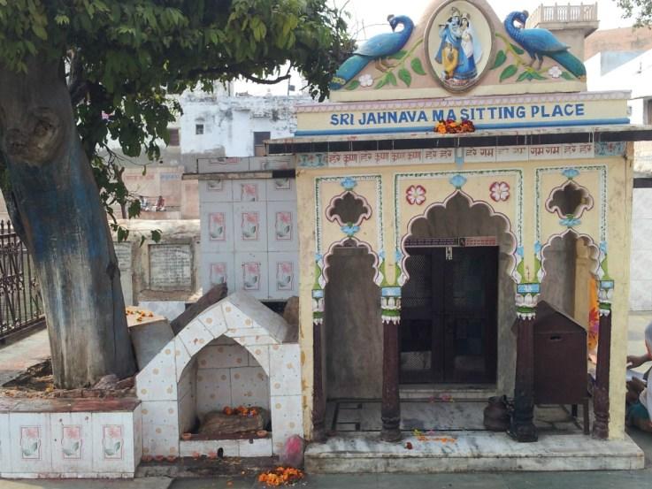 Bhajana-kutira de Jahnavi Devi no Radha- Kunda
