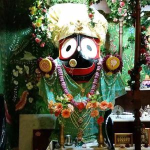 Jagannatha vai ao Gundica Mandira depois deste ser limpo . De modo semelhante, Ele adentrará seu coração se você o purificar e o deixar bem asseado.