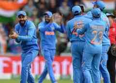 विश्व कप के जिस मैच को महामुकाबले की संज्ञा दी जा रही थी और जिसको लेकर इतनी हाइप खड़ी की गई थी वह अंत में फुस्स साबित हुआ. भारत ने एकतरफा अंदाज में पाकिस्तान को रौंद दिया और उसके खिलाफ विश्व कप के इतिहास में लगातार सातवीं जीत दर्ज की. भारत की इस शानदार जीत ने उसे विश्व कप का प्रबल दावेदार बना दिया है.