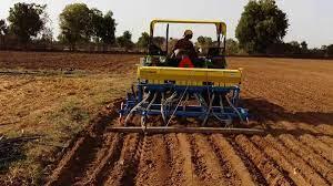 किसानी में बढ़ रहा मशीनों का इस्तेमाल