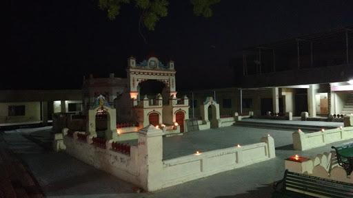 Changapur Naresh Hanuman temple-night