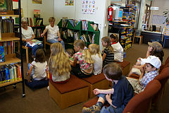 Vorlesen in der Bücherei 2008
