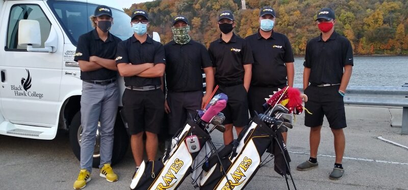 6 golfers wearing masks & standing with 2 golf bags