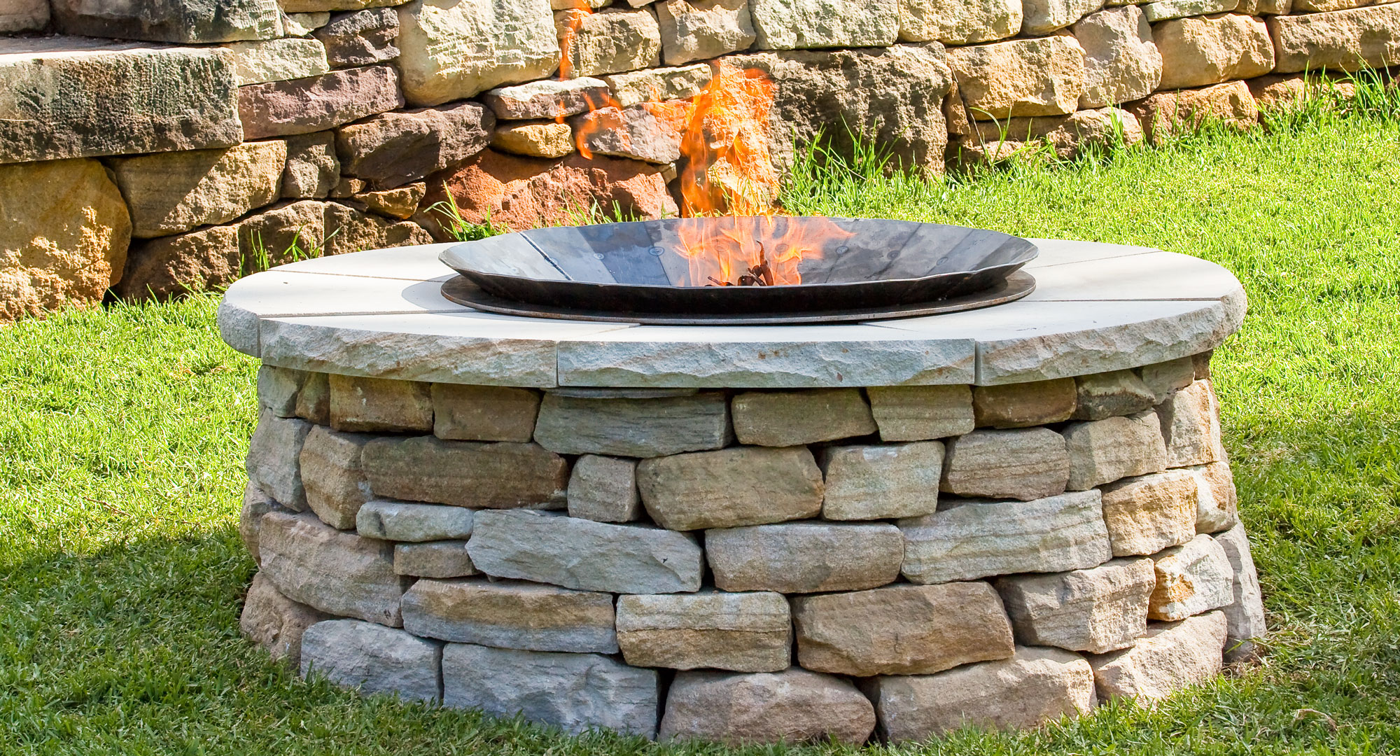 Make your own backyard fire pit - DIY, Gardening, Craft ... on Building Your Own Outdoor Fireplace id=25143