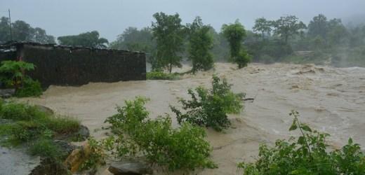 इन्द्रावतीले बगायो मेलम्चीमा तीन तले घर, तटीय क्षेत्रमा आज बाढीको उच्च जोखिम