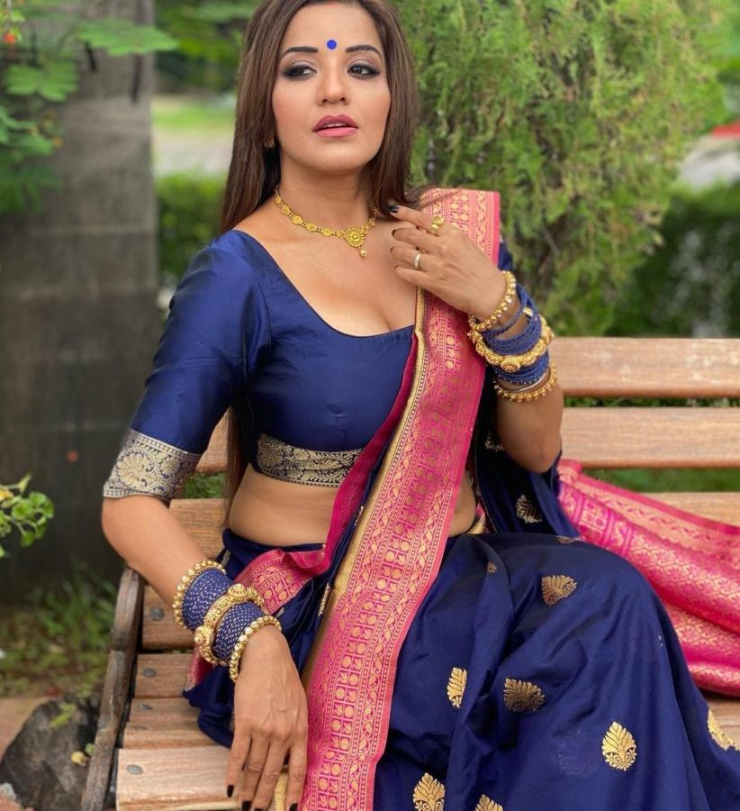 Monalisa Sizzles in a Blue Silk Saree