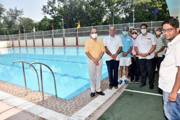 Vice Chancellor inaugurates swimming pool in BHU