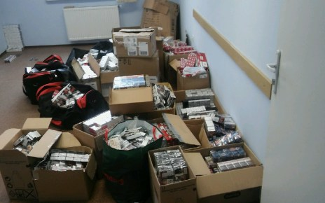 Białorusin zgromadził prawie 1000 kartonów papierosów