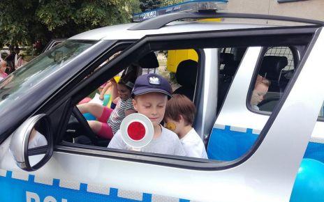 policjanci bialskiej jednostki odwiedzili wychowanków z Przedszkola Samorządowego nr 17