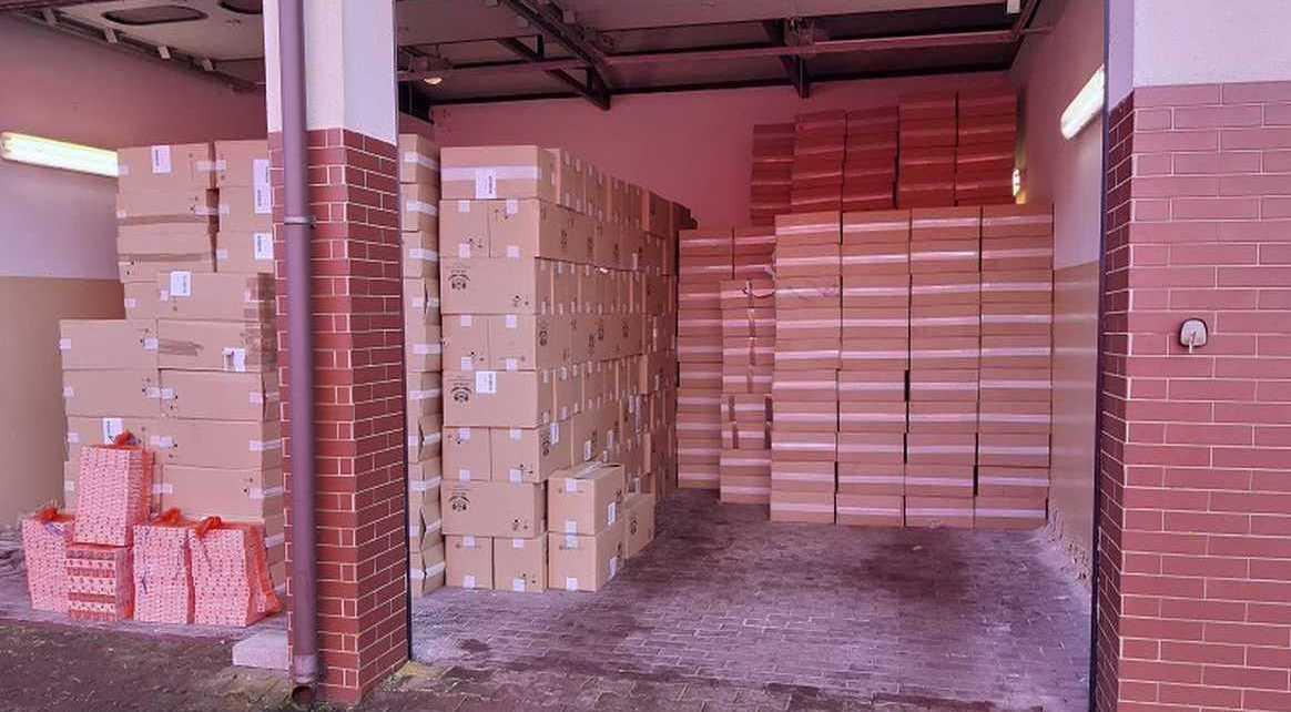 41500 kartonów papierosów