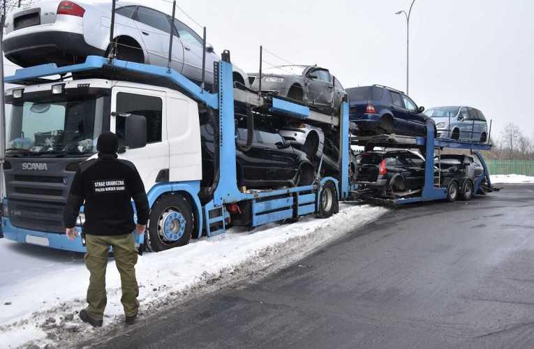 Usiłował wyprowadzić z Polski kradziony zestaw SCANIA – RIMO
