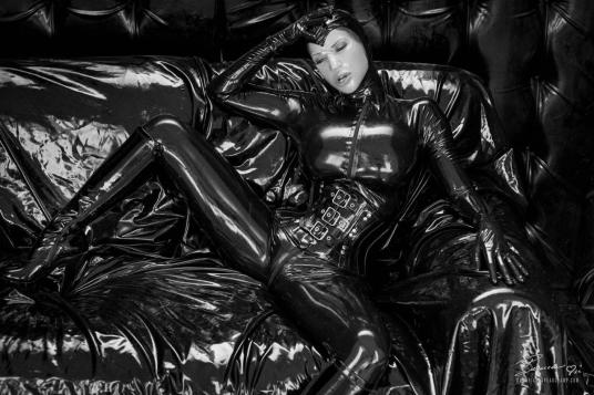 The wonderful textures of slippery latex overload make for superb imagery