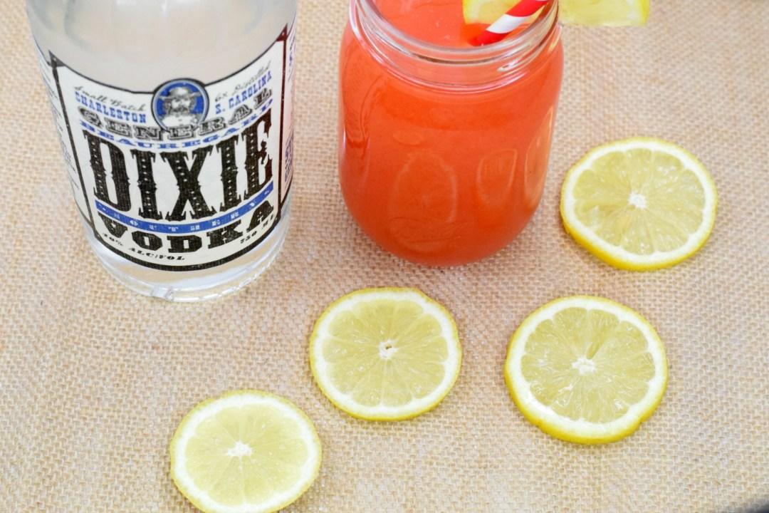 strawberry-lemonade-vodka-cocktail-2