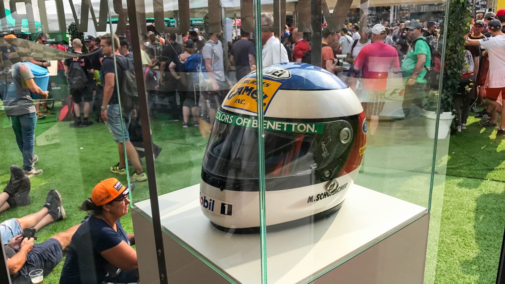 Spa Fanzone helm michael schumacher