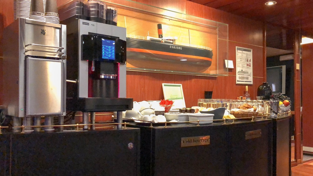 Dfds seaways commodore lounge bar