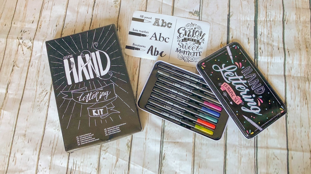 creatieve shoplog action handlettering kit en drawing set