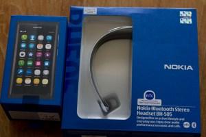 Nokia N9 & BH-505 NFC