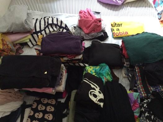 roupas para organizar guardar e doar