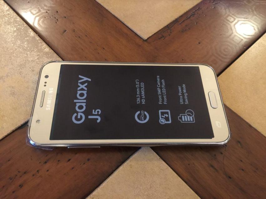 Samsung Galaxy J5 8