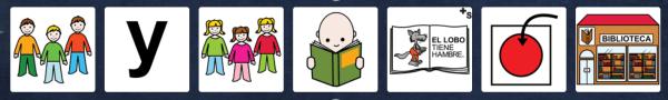 Niños y niñas leen cuentos en la biblioteca