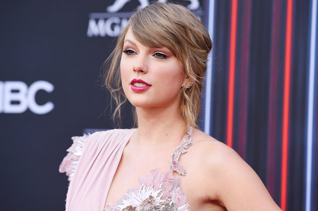 Seleb yang handle sendiri akun media sosial - Taylor Swift