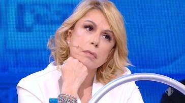"""Anna Pettinelli e una lite non ripresa dalle telecamere ad Amici: """"Ho anche pianto"""""""