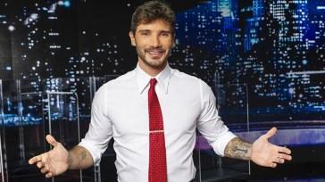 Stefano De Martino tra Rai e Mediaset: ecco la scelta finale e il programma che condurrà