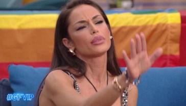 """Raffaella Fico litiga con le nuove opinioniste: """"Il mio fidanzato è ricco? Non lo sapevo!"""""""