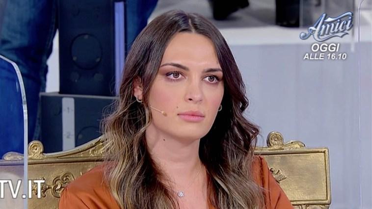 Andrea Nicole, un volto noto di Uomini e Donne torna per corteggiarla