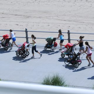 Steps to Easing Back into a Fitness Routine After Birth