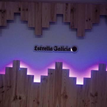 Corporeo de metacrilato Estrella Galicia