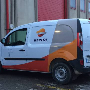 Rotulación de vehículos: Furgoneta Repsol 4