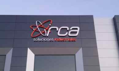 Letras corpóreas de acero para RCA