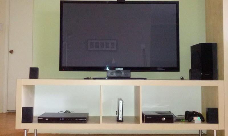 meuble tv expedit sans cables qui trainent