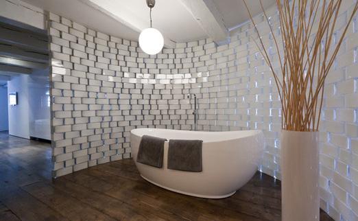 des vases ikea pour une salle de bain