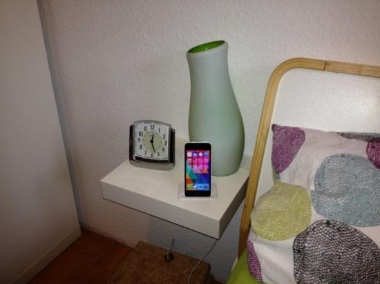 table de chevet avec dock iphone integre