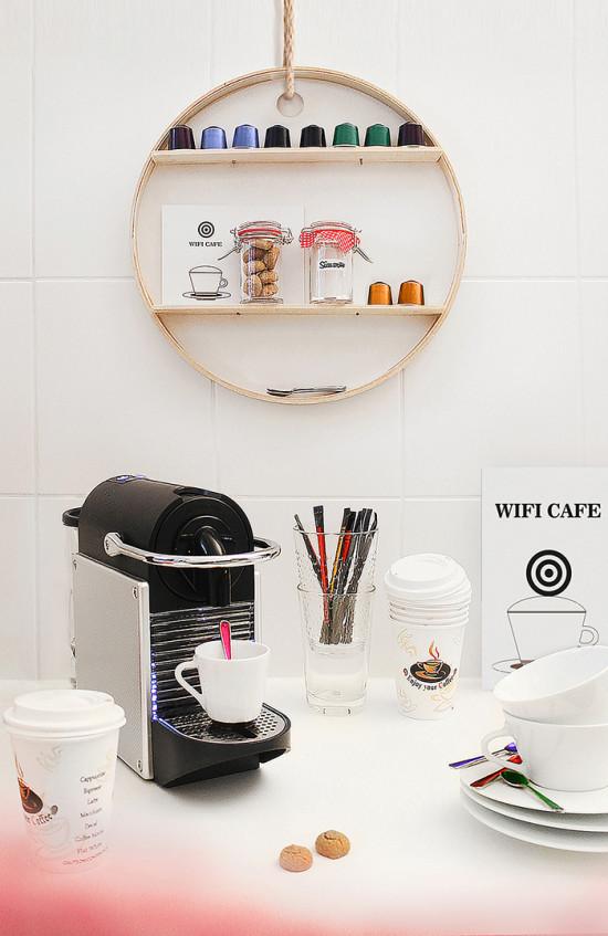 Support Accessoires Espresso Avec Un Plateau PS 2014