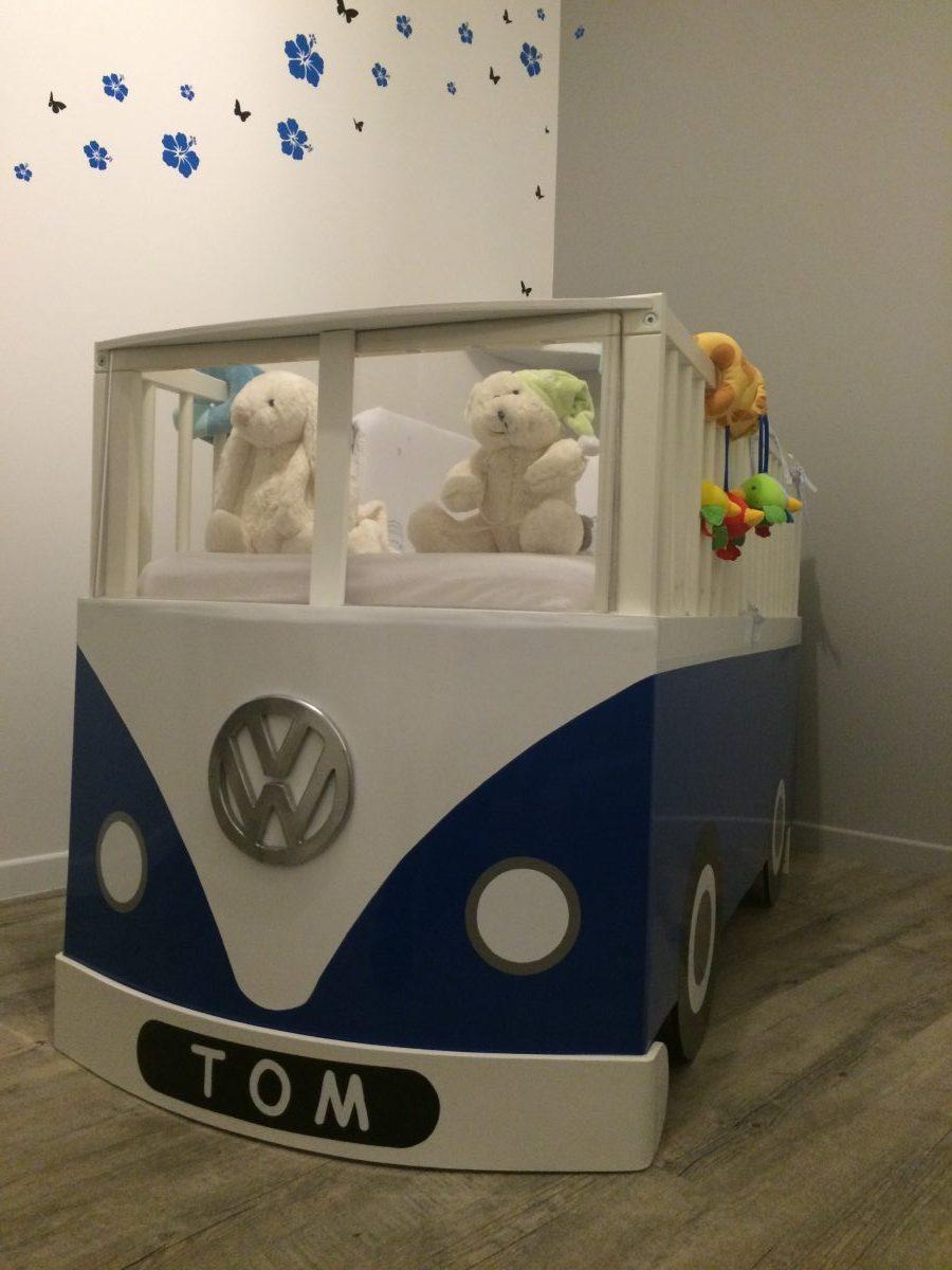 Un Lit Bb Combi Volkswagen Avec Le Lit Gulliver