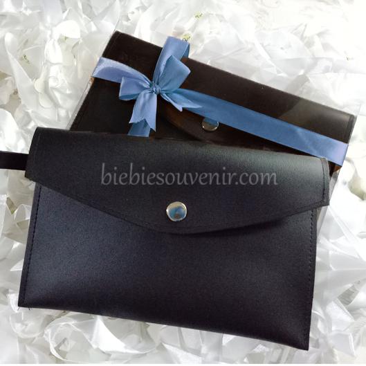 souvenir pernikahan Leather pouch bag
