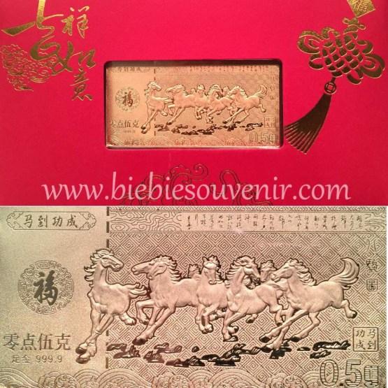 souvenir pernikahan goldbar raging horses