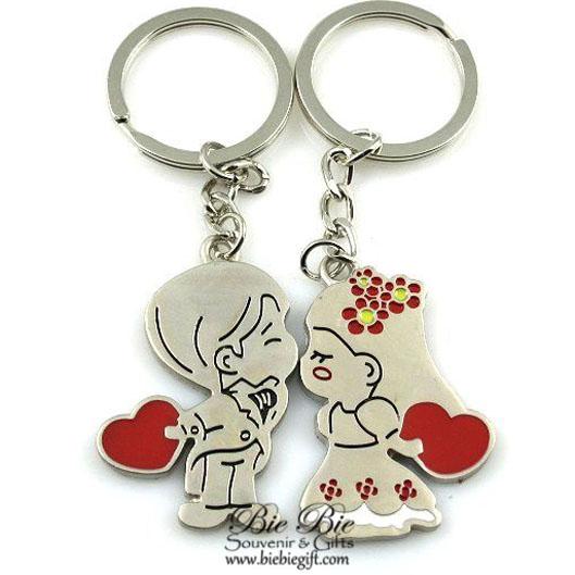 Souvenir Pernikahan Gantungan Kunci Couple CK42