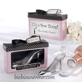 Souvenir pernikahan unik Shoe Bottle Opener