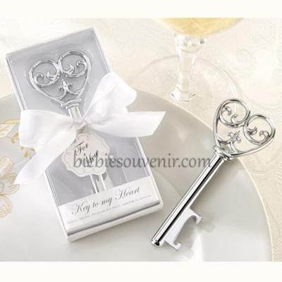 Souvenir pernikahan unik pembuka botol white key