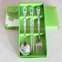 souvenir pernikahan sendok garpu sumpit hijau